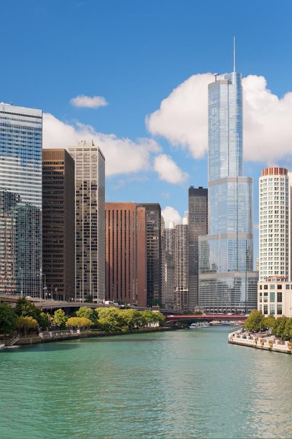 Costruzioni moderne nel ciclo del Chicago. immagine stock