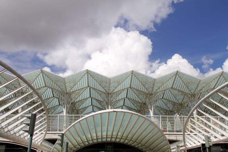 Costruzioni moderne in parco delle nazioni, Lisbona fotografia stock libera da diritti