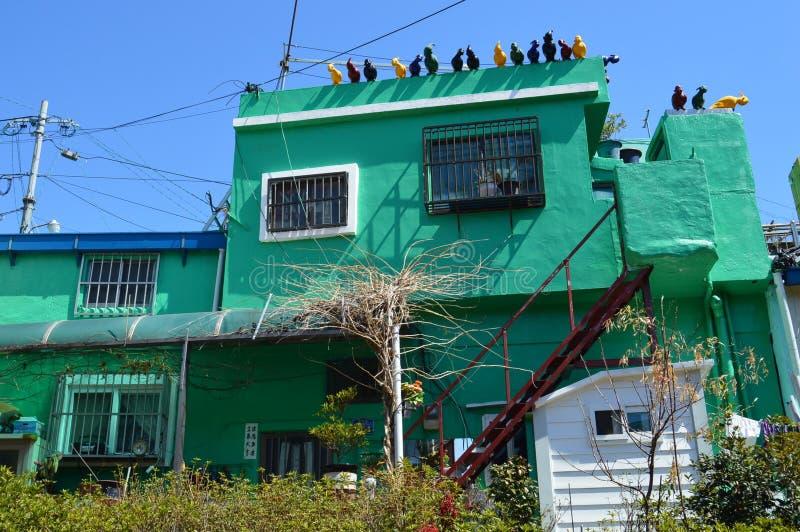 Costruzioni originali e variopinte a Pusan, Corea del Sud fotografia stock libera da diritti