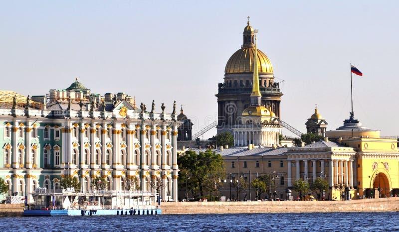 Costruzioni San Pietroburgo, Russia del punto di riferimento fotografie stock libere da diritti
