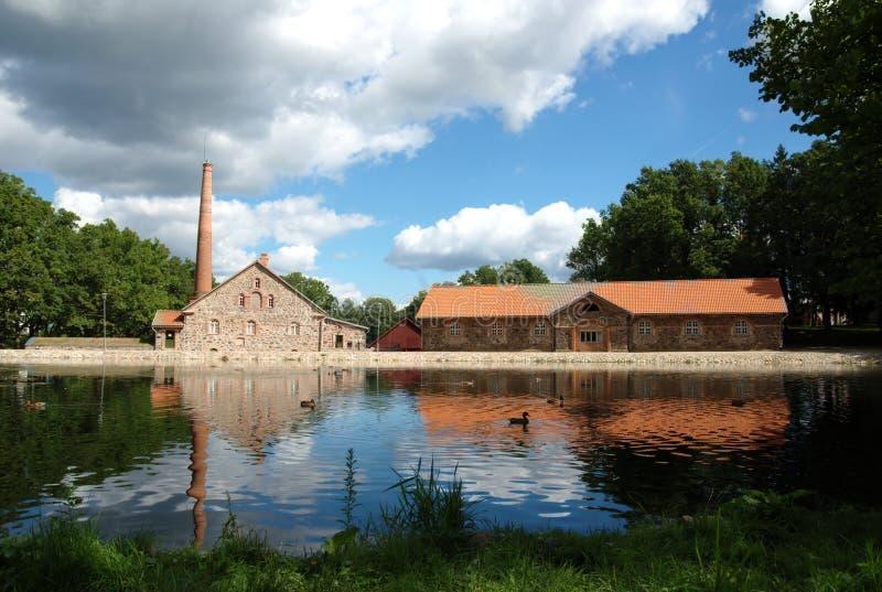 Costruzioni storiche dalla proprietà terriera di Olustvere. immagine stock libera da diritti