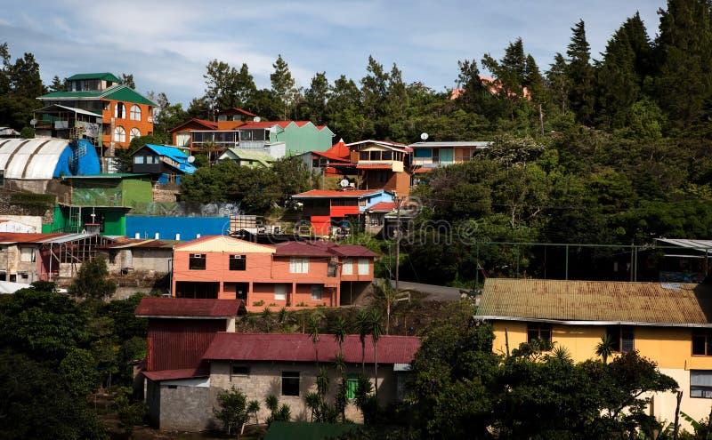 Costruzioni su un pendio di collina in Santa Elena immagini stock libere da diritti