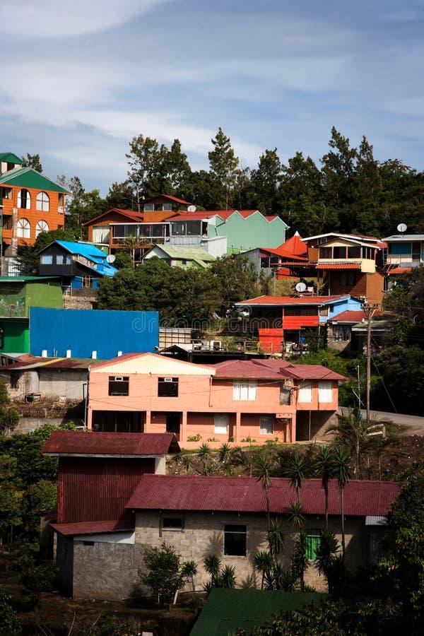 Costruzioni su un pendio di collina in Santa Elena fotografia stock libera da diritti
