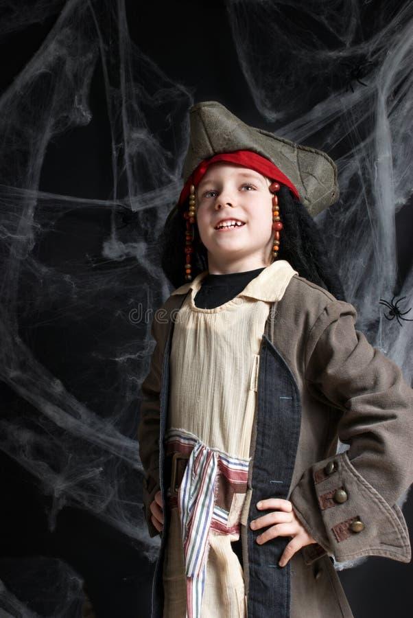 Costume da portare del pirata del ragazzino immagini stock libere da diritti