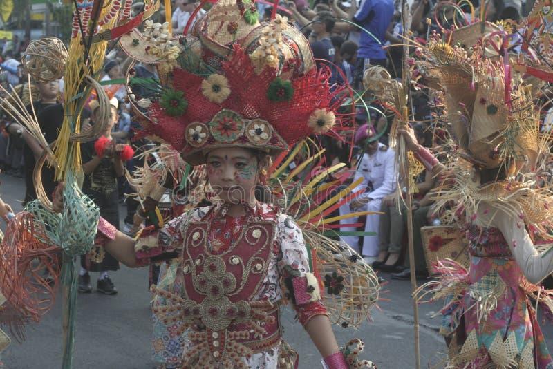 costume fait en bambou dans le carnaval photos stock