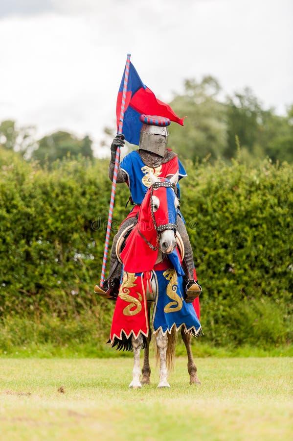 Costume medioevale del cavaliere fotografia stock
