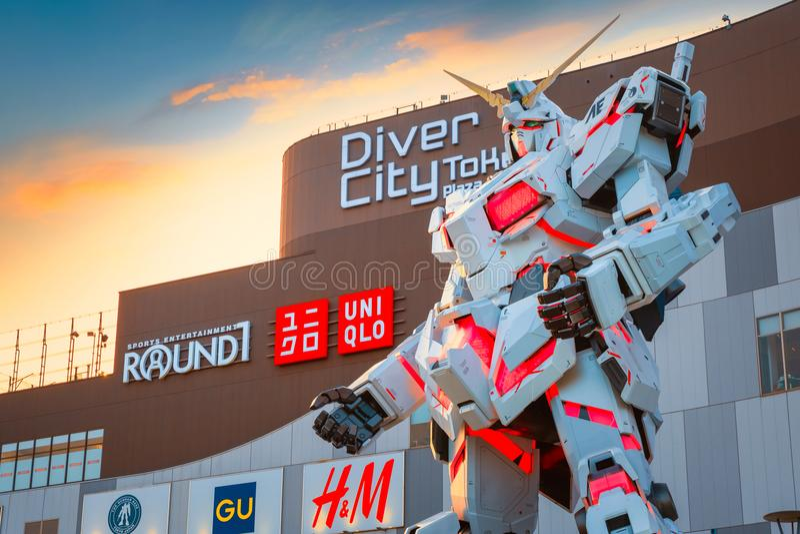 Costume mobile normal RX-0 Unicorn Gundam au plongeur City Tokyo Plaza à Tokyo, Japon photo stock
