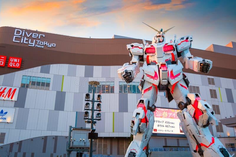 Costume mobile normal RX-0 Unicorn Gundam au plongeur City Tokyo Plaza à Tokyo, Japon photo libre de droits