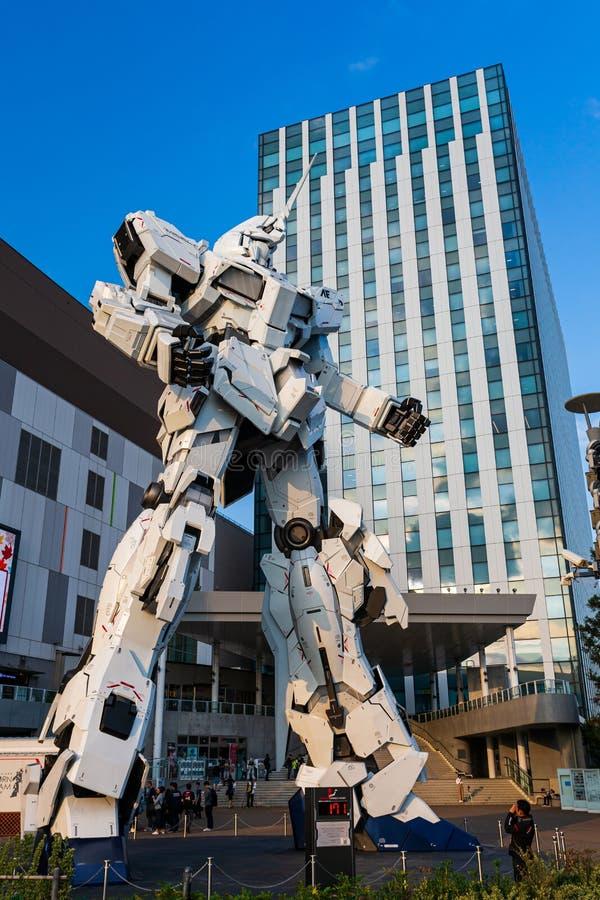 Costume mobile normal RX-0 Unicorn Gundam Performances ? la plaza Tokyo, Odaiba, Tokyo, Japon de City de plongeur images libres de droits