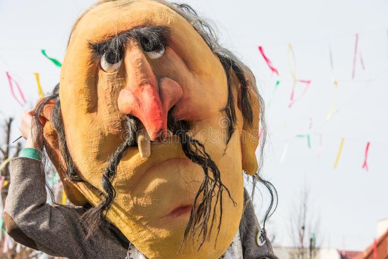 Download Costume Traditionnel De Carnaval Annuel De Cerknica En Slovénie Image stock - Image du cloches, fantasmagorique: 87708889