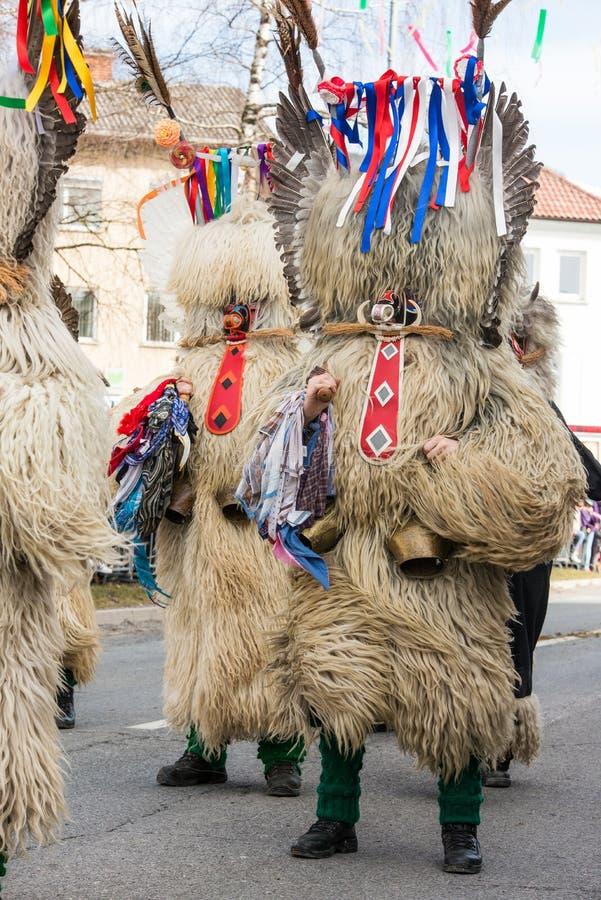 Download Costume Traditionnel De Carnaval Annuel De Cerknica En Slovénie Photo stock - Image du langue, mardi: 87709058