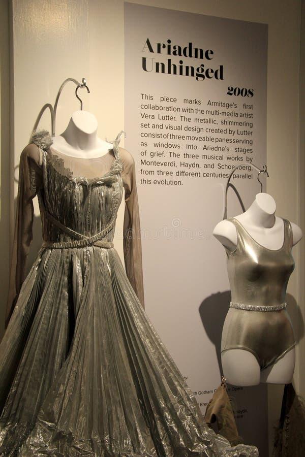 Costumes magnifiques de danse sur l'affichage, Musée National de danse, Saratoga Springs, New York, 2015 photographie stock libre de droits