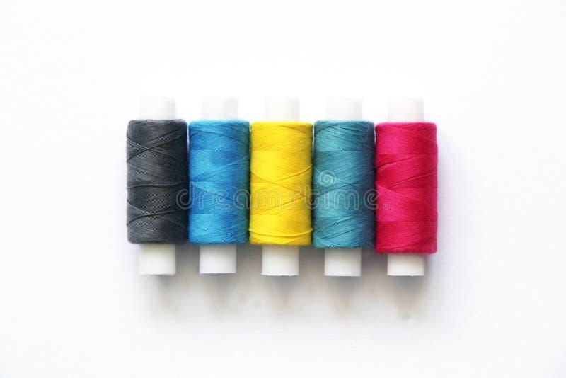 A costura coloriu linhas fotografia de stock