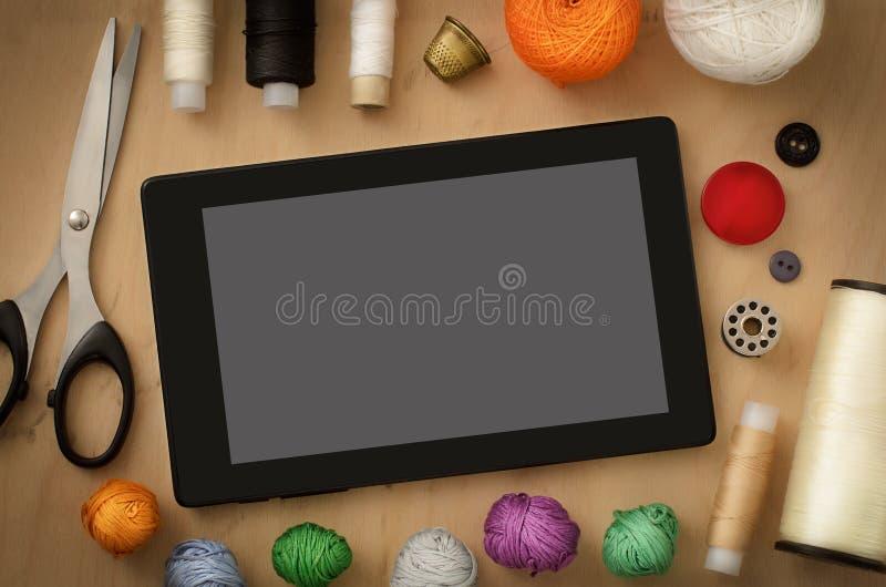 Costureira do desktop do leito foto de stock