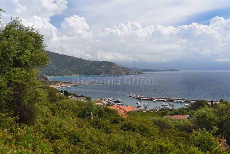Cosy zatoka miasteczko przybrzeżne Cargese zdjęcie stock