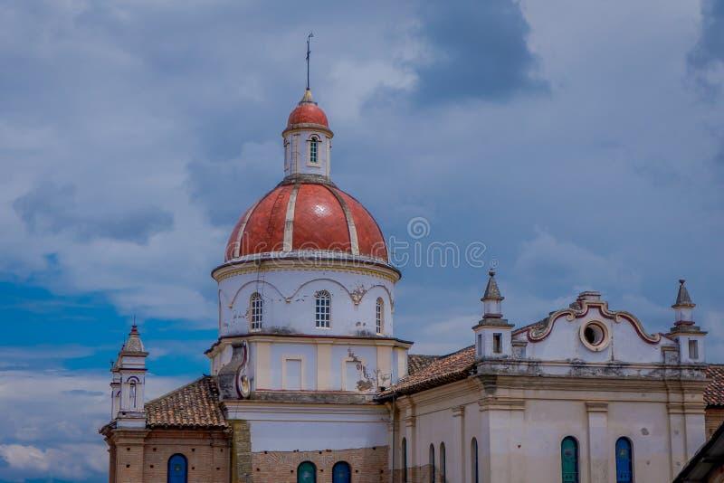 COTACACHI, EQUATEUR, LE 6 NOVEMBRE 2018 : Belle vue extérieure de cathédrale de Matrix dans Cotacachi Equateur, un petit village image libre de droits