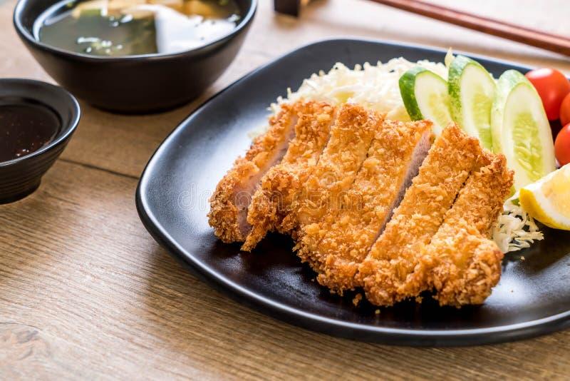 Cotoletta fritta nel grasso bollente giapponese della carne di maiale (insieme di tonkatsu fotografia stock libera da diritti