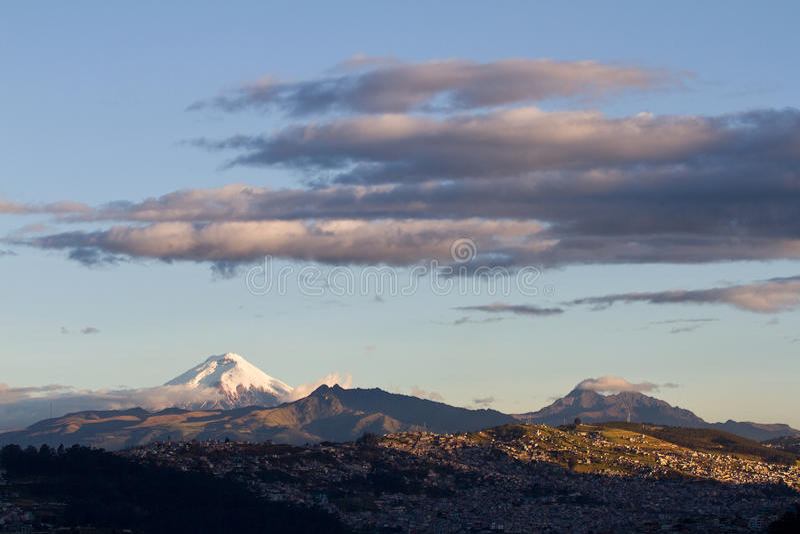 cotopaxi vulkan arkivbild