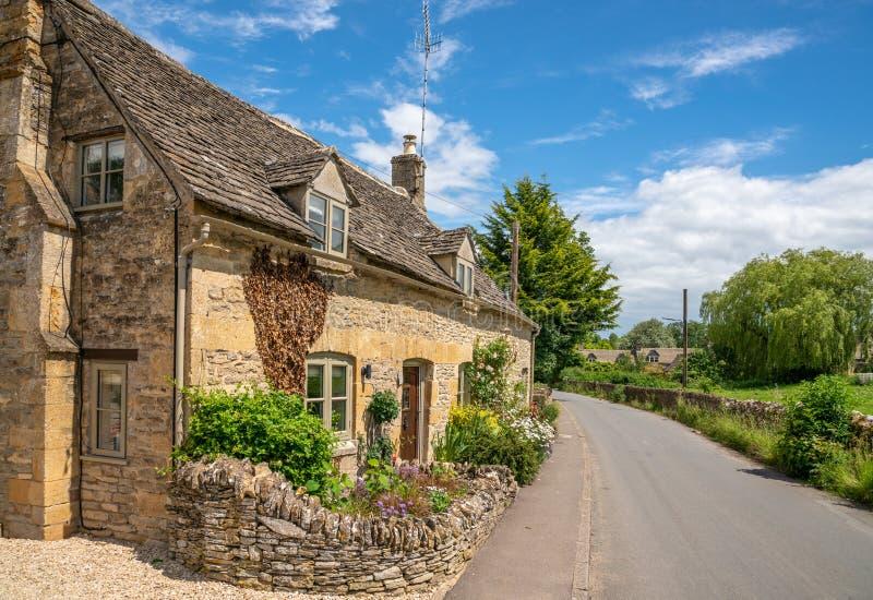 Cotswold, dorpje Naunton, Gloucestershire, Verenigd Koninkrijk stock fotografie