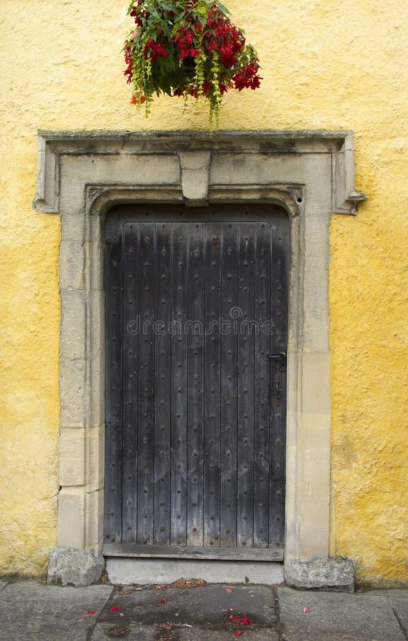 Cotswold-Eingang in Tetbury, England stockbilder