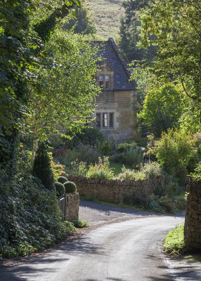 Cotswold-Häuschen, England lizenzfreies stockfoto