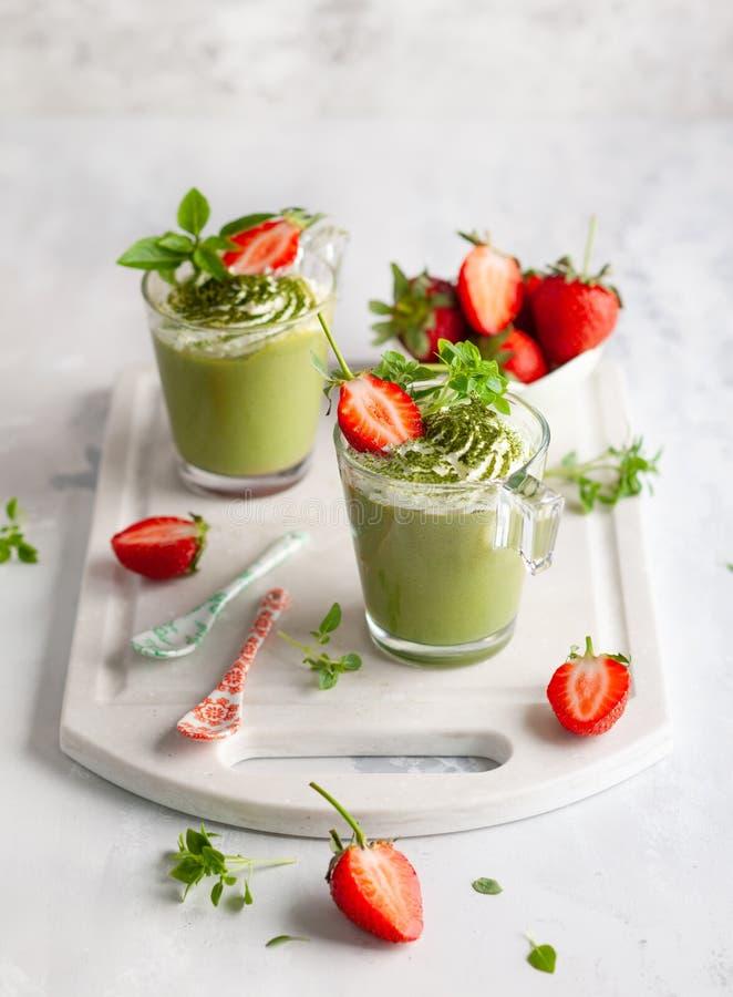 Cotta do panna do chá verde de Matcha imagens de stock royalty free
