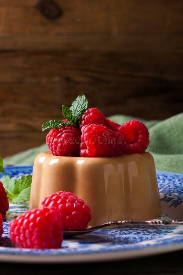 Cotta italien de panna de café de dessert images stock