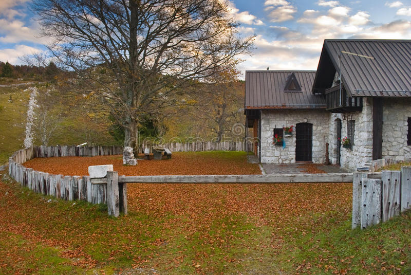 Download Cottage stock image. Image of italy, isolated, autumnal - 16633389