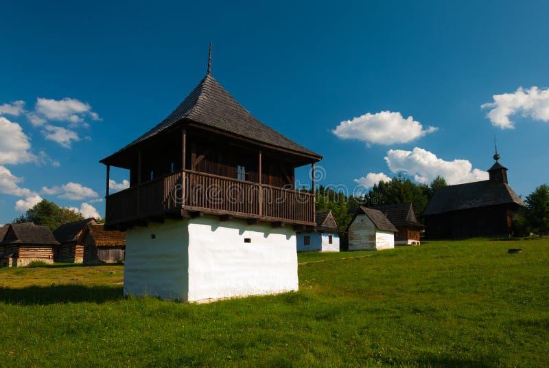 Cottage da Slovenske Pravno - museo del villaggio slovacco, je del ¡ del hà di JahodnÃcke, Martin, Slovacchia fotografia stock libera da diritti