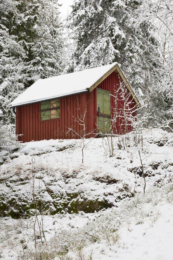Cottage di inverno fotografie stock libere da diritti