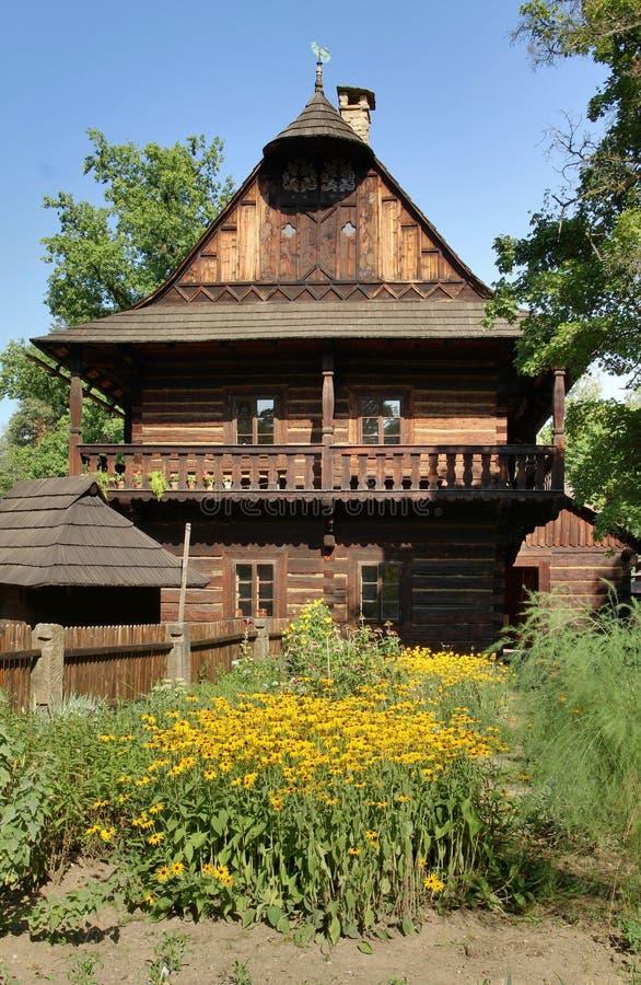 Cottage en bois historique photographie stock libre de droits