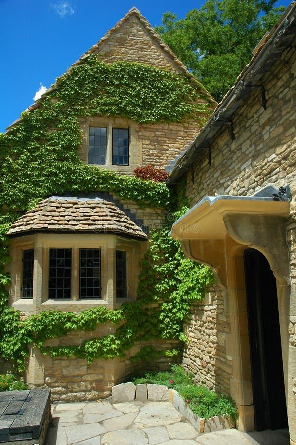 cottage english royaltyfri bild