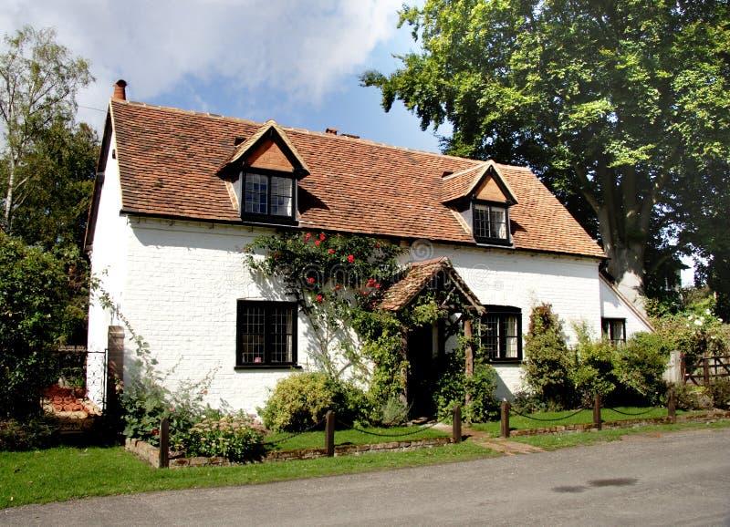 Cottage inglese del paese immagine stock libera da diritti