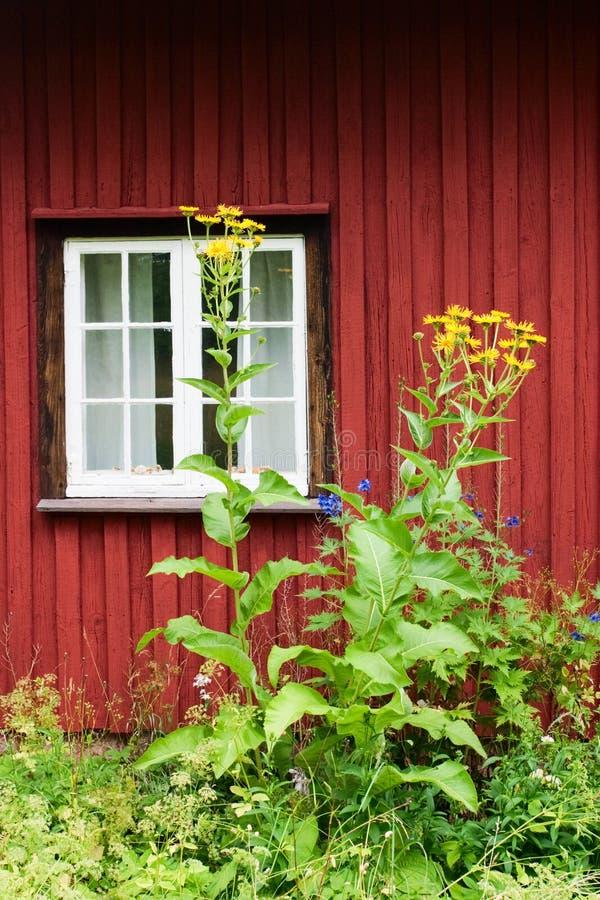 Cottage rosso fotografie stock libere da diritti