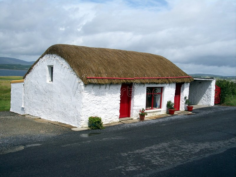 Cottage Thatched, Co. Donegal, Irlanda immagini stock libere da diritti