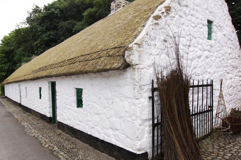Cottage Thatched irlandese immagini stock