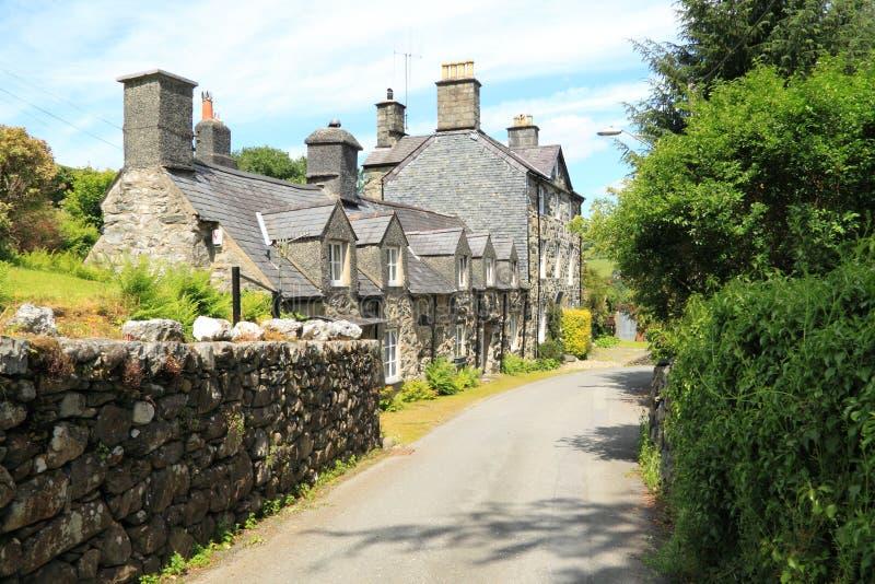 Cottage tradizionali del villaggio di Lingua gallese fotografia stock libera da diritti