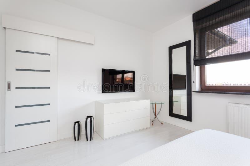 cottage vibrant meubles de chambre coucher photo stock image du home cottage 30197848. Black Bedroom Furniture Sets. Home Design Ideas