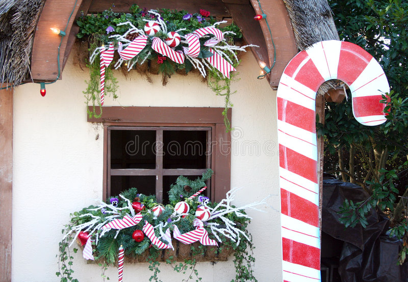 Download Cottage Window At Christmas Stock Image - Image: 7981831