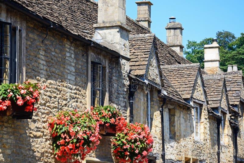 Cottages de pierre de Cotswold, château Combe photographie stock libre de droits