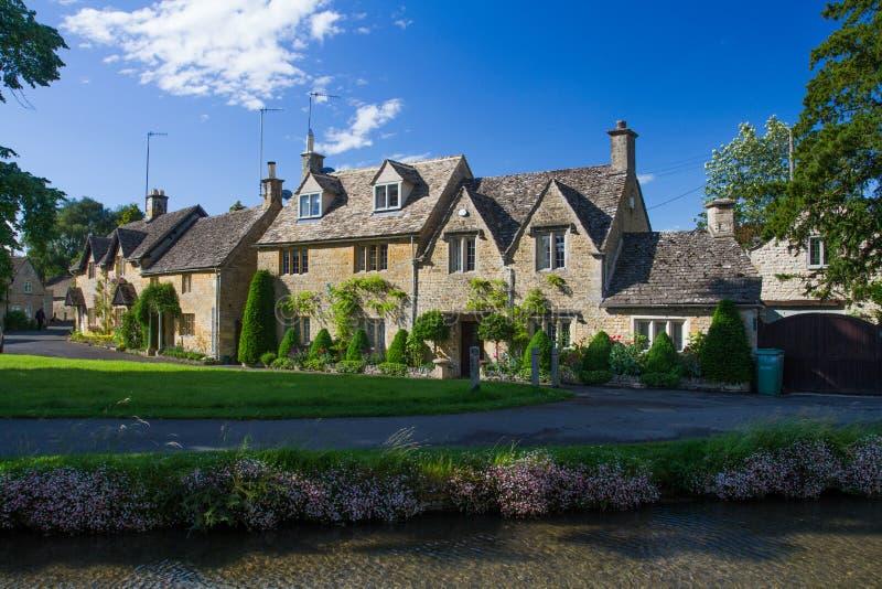 Cottages de pierre de Cotswolds images stock