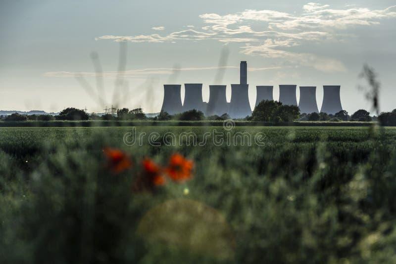 Cottam, Nottinghamshire, R-U, juin 2019, une vue de centrale de Cottam dans Nottinghamshire vu du Lincolnshire dans l'est photo libre de droits