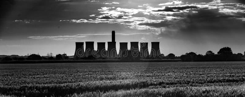 Cottam, Nottinghamshire, R-U, juin 2019, une vue de centrale de Cottam dans Nottinghamshire vu du Lincolnshire dans l'est photographie stock libre de droits