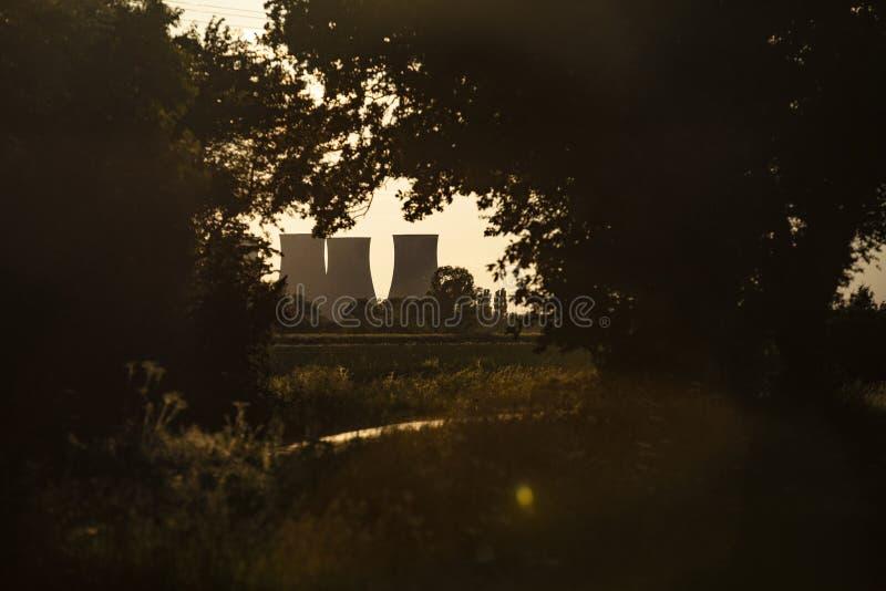 Cottam, Nottinghamshire, R-U, juin 2019, une vue de centrale de Cottam dans Nottinghamshire vu du Lincolnshire dans l'est image stock