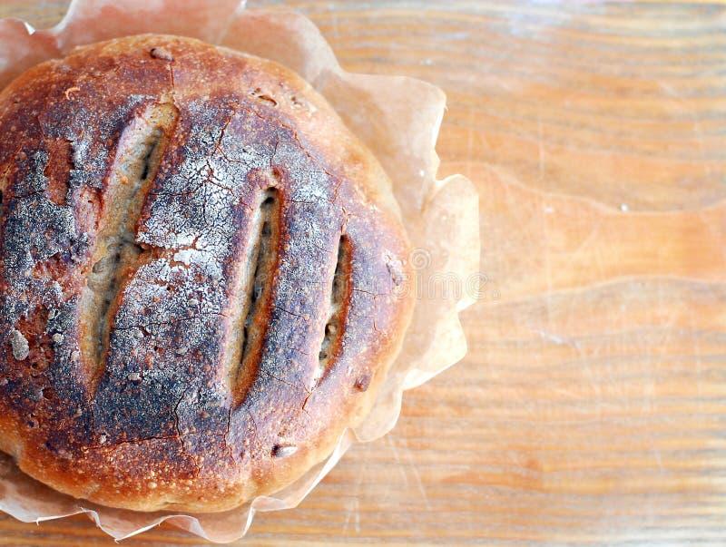 Pane di lievito naturale sano rotondo fresco fotografia stock libera da diritti
