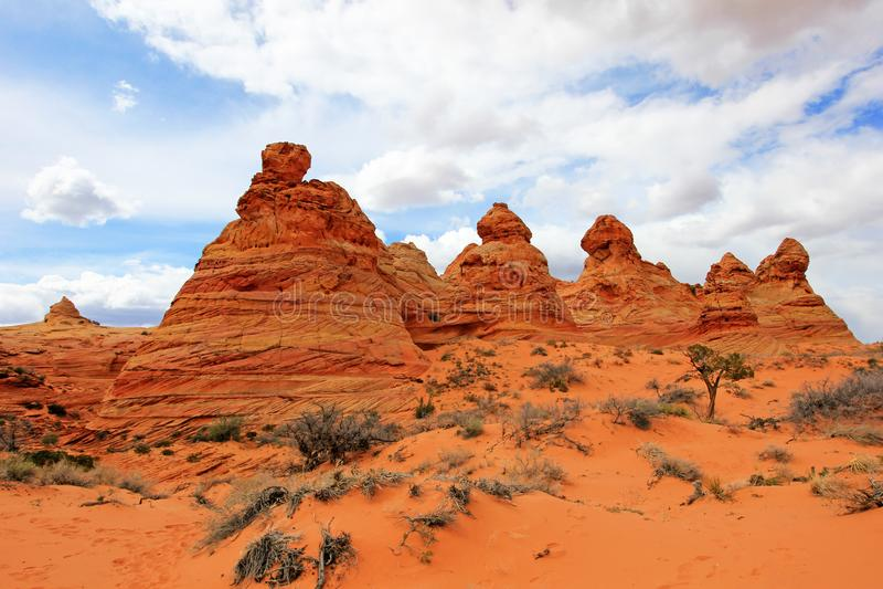 Cottonwood Teepees, ένας σχηματισμός βράχου κοντά στο κύμα στο νότο CBS, Vermillion φαραγγιών Paria αγριότητα λόφων κογιότ απότομ στοκ εικόνες