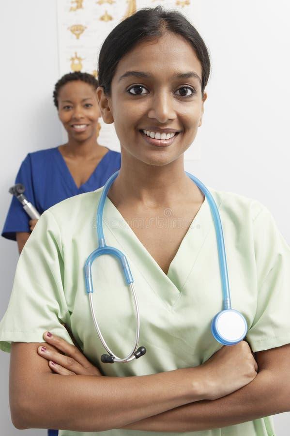 Cou de docteur Wearing Stethoscope Around image libre de droits
