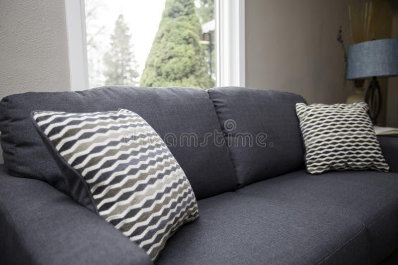 Couch oder Sofa stockfotografie