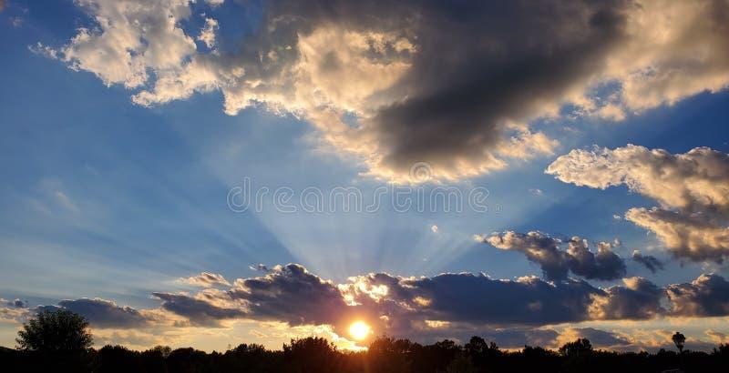 Coucher de soleil fantastique photos stock