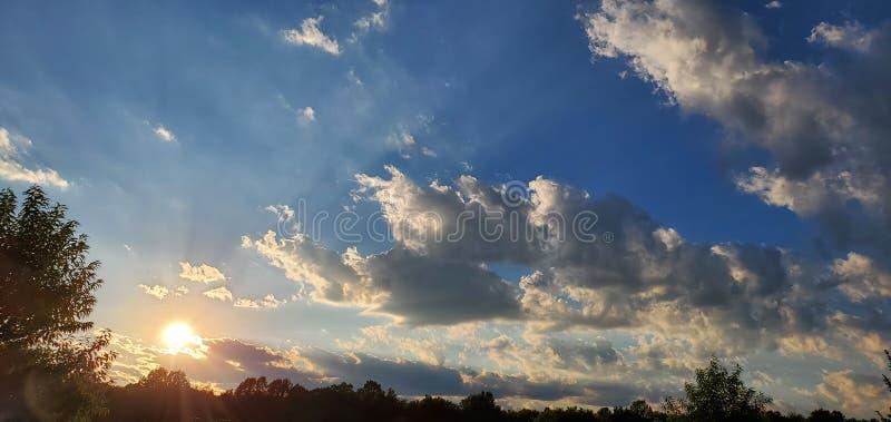 Coucher de soleil fantastique image stock